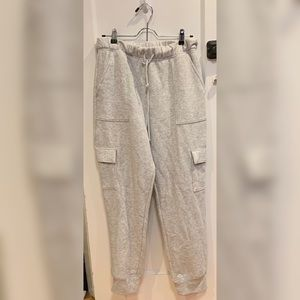Women's medium Pink cargo joggers in grey